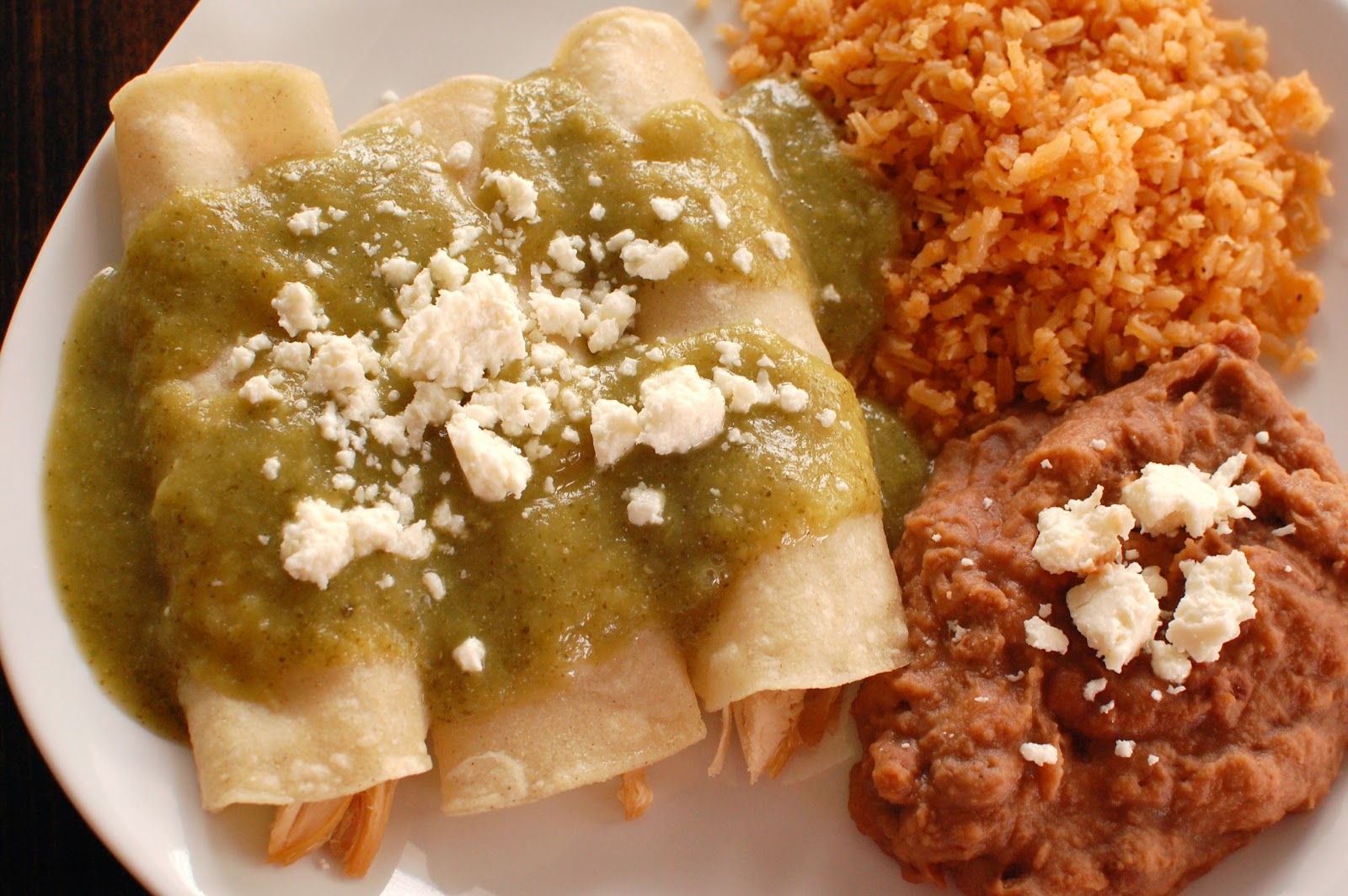 Enchiladas verdes de pollo authentic mexican super easy or so and as long as you have the stuffits super easy remember how we talked about cooking lots of chicken in the crock pot shredding and freezing it in forumfinder Images