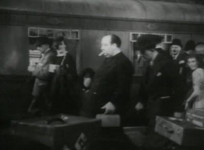 альфред хичкок, эпизодическая роль, найди хичкока, леди исчезает