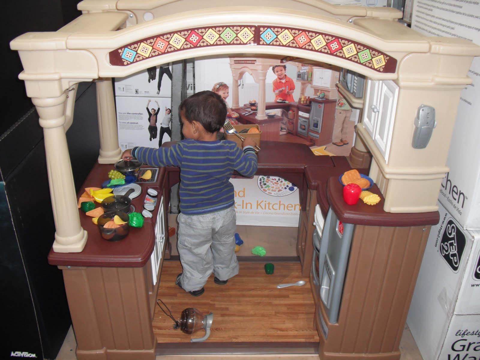 a beautiful life costco kitchen costco recently got in this deluxe walk in kitchen noah loves it and could keep busy for probably an hour easy i have taken him there just to play