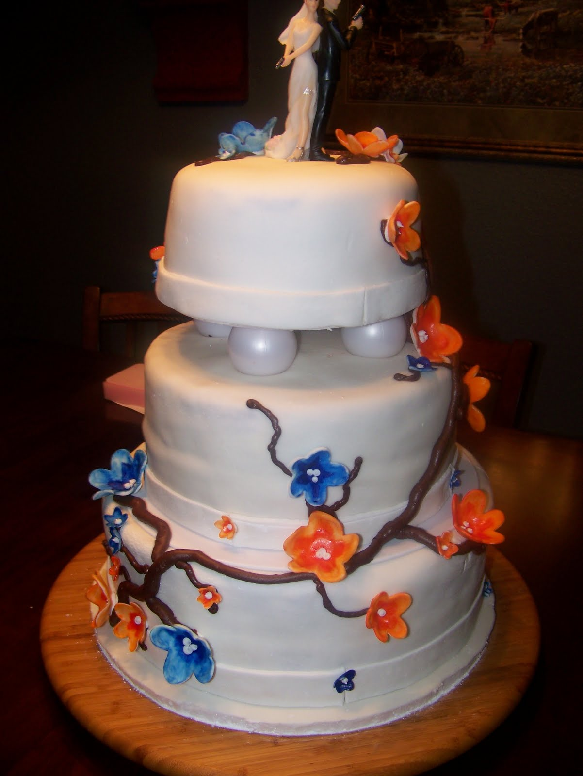 Rockin Cakes: Orange and Blue Blossom\'s Wedding Cake