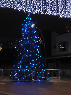 Christmas Tree and Lights in the High Street