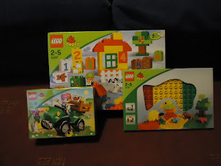 Lego Duplo Experts First Parcel contents