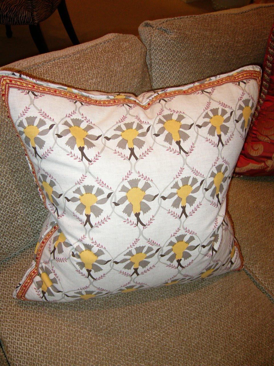 Design 101 decorative accent pillows the designer insider for Insider design pillow