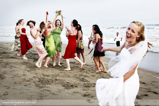 foto boda novios playa atardecer chorrillos lima peru
