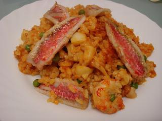 salmonetes sepia arroz paella
