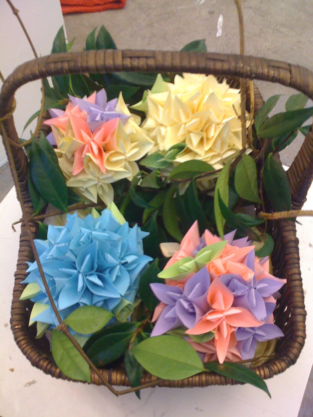 ThreeDeeWinter2011: Post It Note Orgami Flowers - photo#18