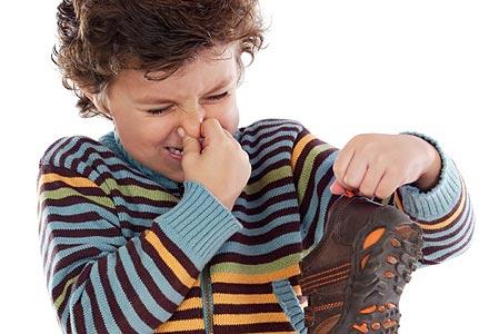 http://2.bp.blogspot.com/_-YRWA5BBVN0/TRiDMRa0pDI/AAAAAAAAAPc/wdZBL7wVngw/s1600/sepatu.jpg