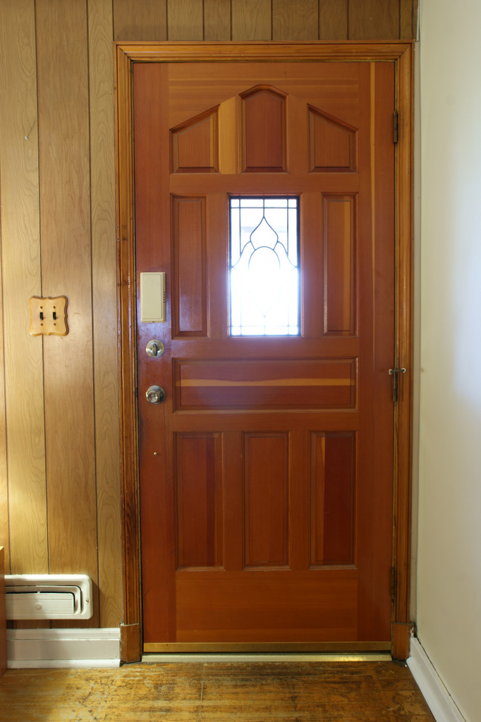Storm Door with Pet 682 x 1024 · 185 kB · jpeg