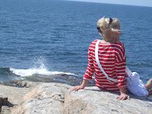 Att sitta på en klippa och fundera...det är livet...Älskar klippor och hav!
