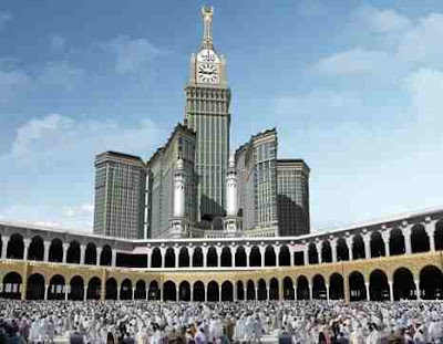 """Jam """"Gadang"""" Makkah Versus """"Big Ben"""""""