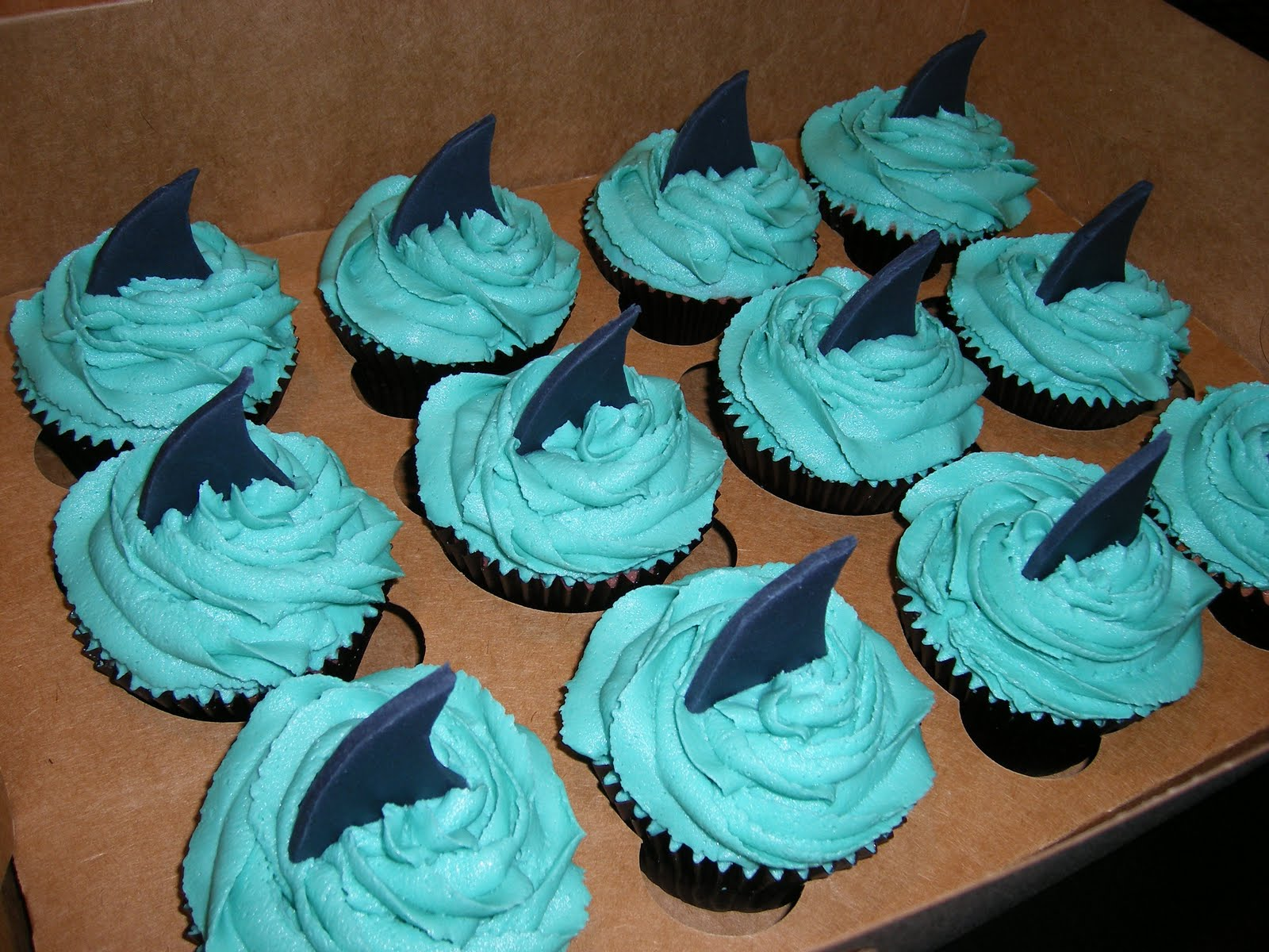 One Sweet Hobby: Shark Fin Cupcakes