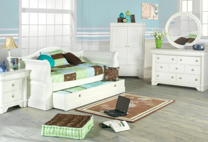 rooms to go kids daybed bedroom curved white wooden and slid