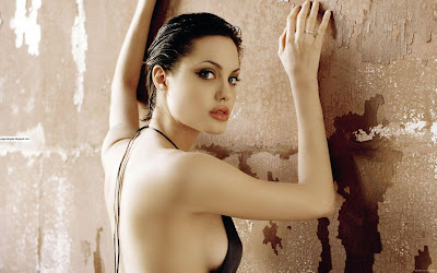 Angelina_Jolie_Hot_Wallpapers_Fun Hungama-forsweetangels.blogspot.com