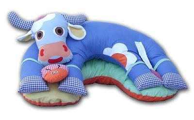 Sevimli bebek yastıkları ve battaniyeleri