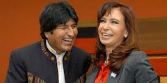 ambos de ríen de España y llueven las críticas en Bolivia y Argentina
