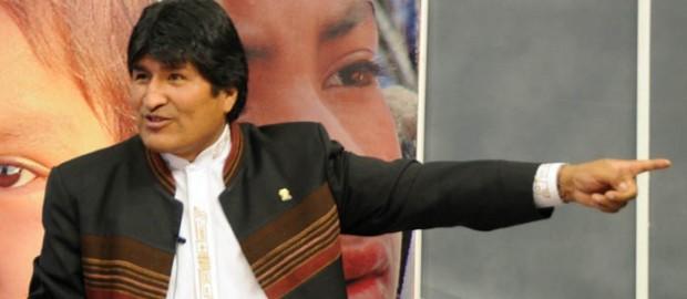 de nuevo mentiras Presidente. a quién se pretende engañar? el oficial de policías Araujo