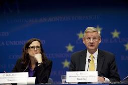mientras arreciaban las críticas a Suecia Carl Bildt