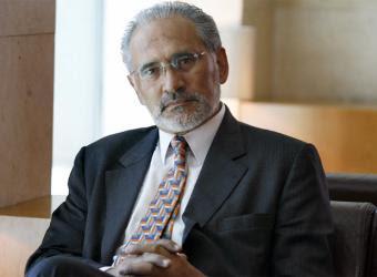Carlos Mesa condena la actitud de las FFAA que no abren sus archivos por los sucesos del 1980