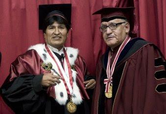 qué triste que la Universidad del Valle cuyo rector y catedráticos gozan de prestigio