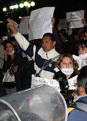 valientes periodistas paceños. salieron a las calles y llegaron a la mismísima Plaza Murillo