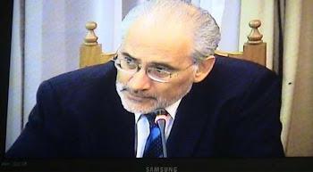 incansable Carlos Mesa en todos los foros internacionales explica la análoga situación de Evo ...