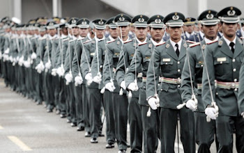 cuando los militares ponen sus sables al servicio de las dictaduras les pasa lo que a Videla y otro