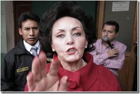 Martha Taborga 70 años detenida tras visitar a su esposo A.Fortún preso en el penal de San Pedro