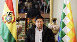 choquehuanca parece un hombre modesto, consecuente y trata de ser serio y credible, pero...
