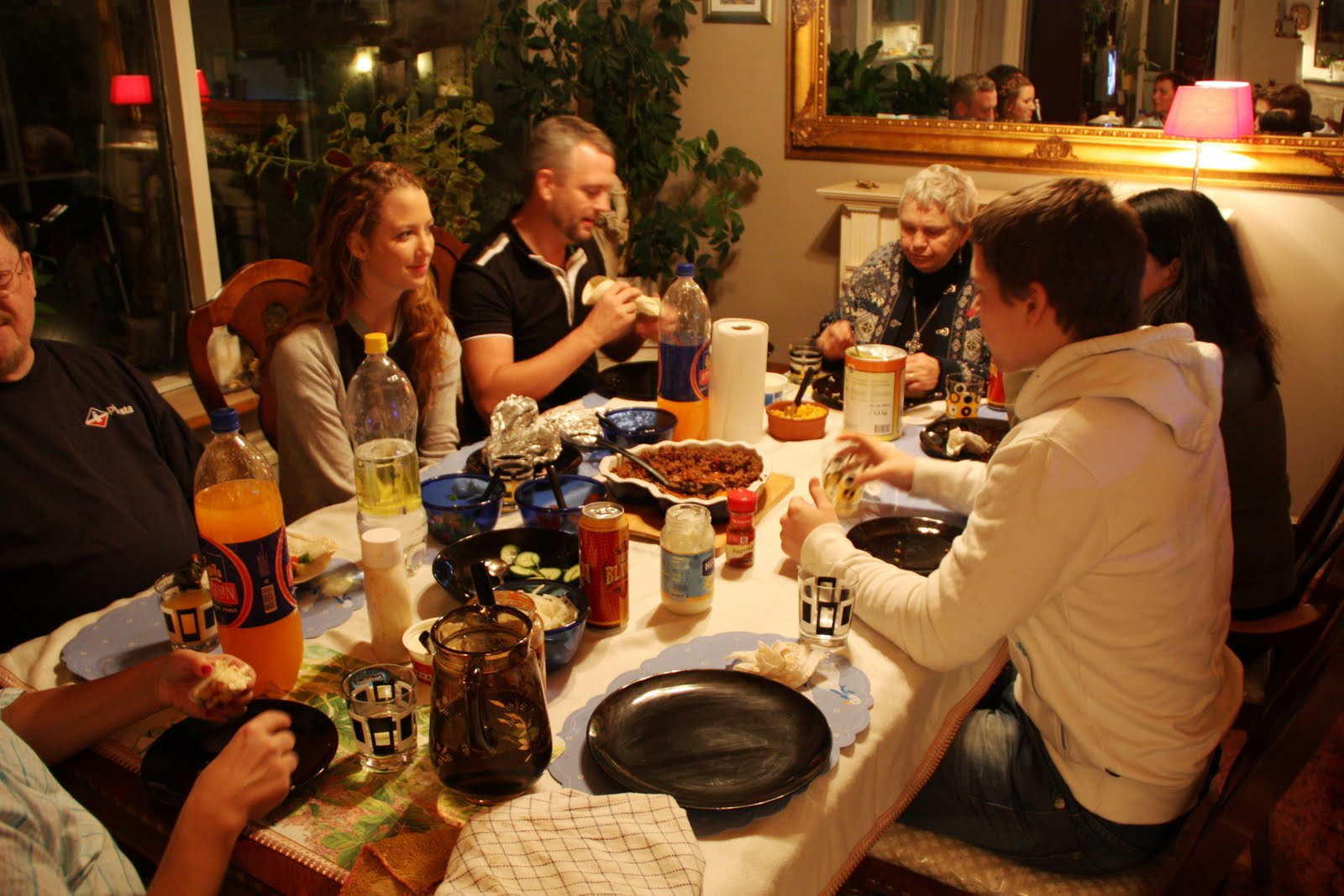 gezellig tafelen thuis