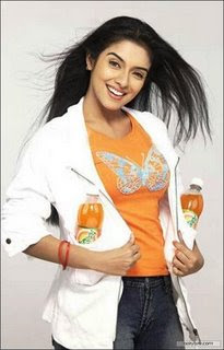 hot-sexy-asin-cool-mirinda-ad-film-pose