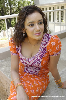 HOT ACTRESS  SIRYA NARAYAN PICTURES