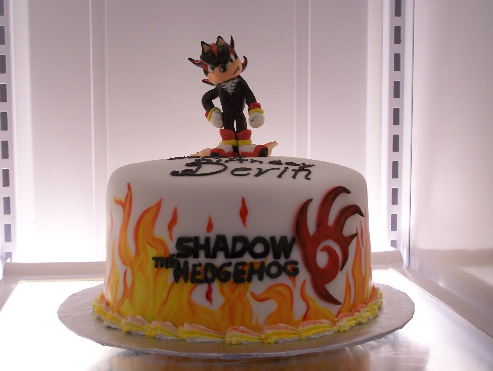 justbyme: Shadow the hedgehog cake