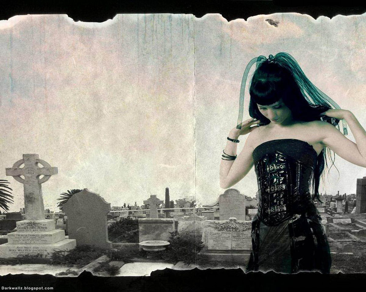 Gothi Girl On Cemetery | Dark Wallpaper Download