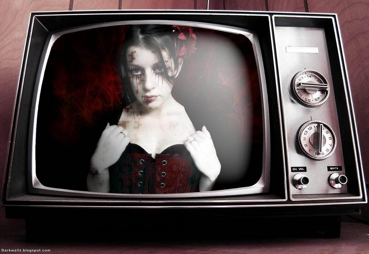 Gothic Girl In An Old TV | Dark Wallpaper Download