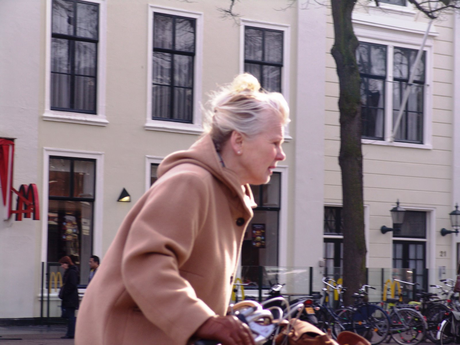 vieja+en+bicicleta]