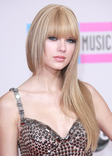Taylor Swift New Hair 2010. 2010 Taylor Swift Hairstyles