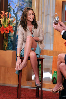 Leighton Meester Leggy At Morning Show