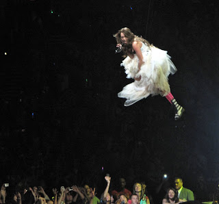 Miley Cyrus Flying On Wonder World