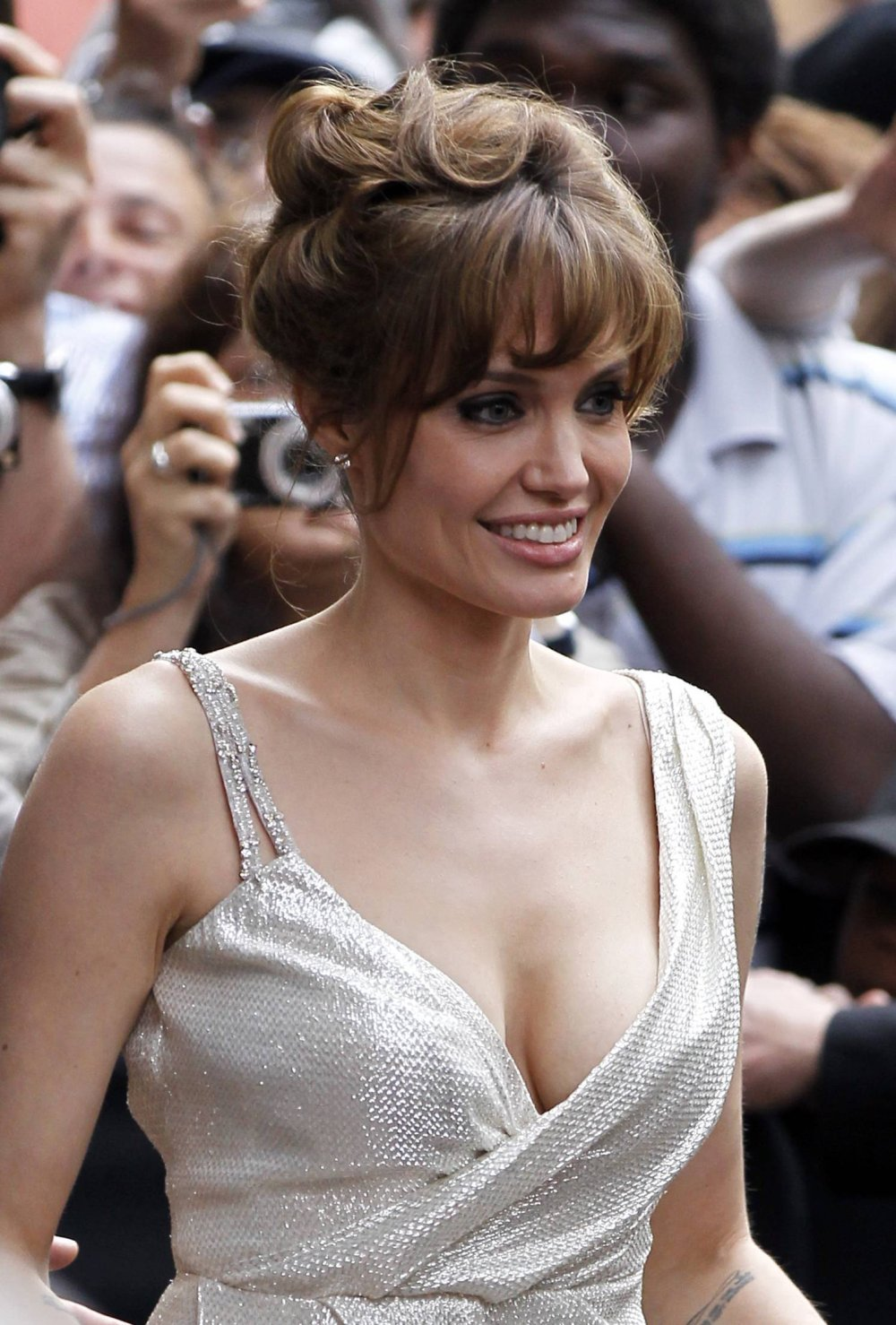 Angelina Jolie Cute Wallpapers