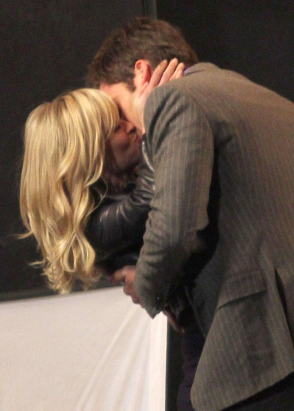 Reese Witherspoon and Chris Pine film a kissing scene for This Means War on