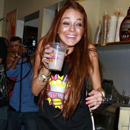 lindsay lohan lancia il suo milkshake