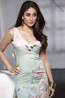 Kareena Kapoor modest her Indian with Western Dressesand happy photoshoot