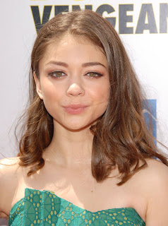 Smiling Photos Of Sarah Hyland