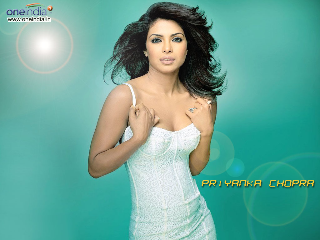 ACTRESSGALLERYIJU: Priyanka Chopra Hot Gallery