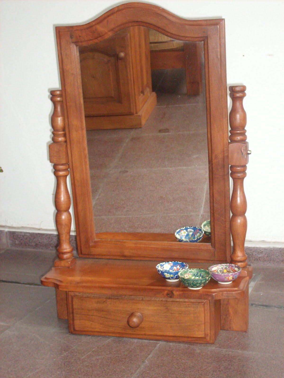 Mundoalgarrobo espejo de pie con el marco de algarrobo for Espejo de pie