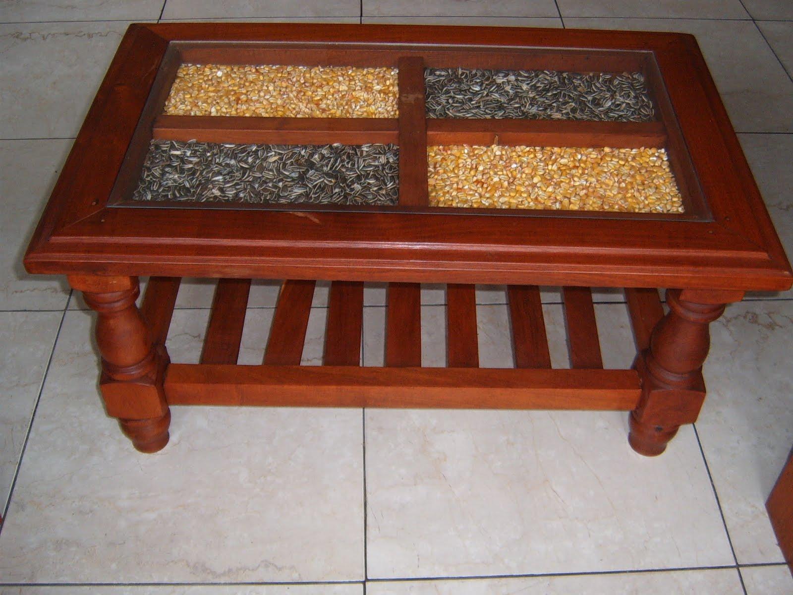 Mundoalgarrobo mesas ratonas de algarrobo for Mesa algarrobo precio