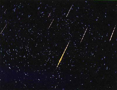 http://2.bp.blogspot.com/_-poC4bzIPWA/Sn5nZeewgOI/AAAAAAAABJ8/olsha_dKYDI/s400/leonid-meteor.jpg