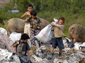 http://2.bp.blogspot.com/_-pybXjnKAxo/SSwdA-Ukj_I/AAAAAAAAAAM/L4RUewK4TGo/s320/pobreza+en+argentina.jpg