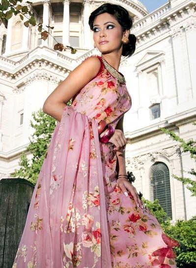 Women clothing fabrics prints by gul ahmed magazine 2010
