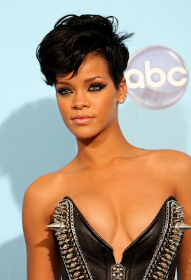 Rihanna Short Hair Cuts Styles Pictures Gallery